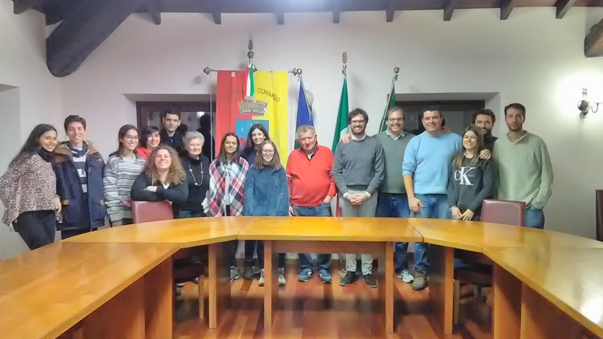 Comitiva portuguesa e italiana no municipio de Cunardo